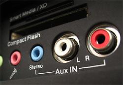 Плюс к этому, все электронные устройства излучают электромагнитные помехи «в воздух». Часть этих помех «оседает» на сетевые провода и передаётся по ним в другую аппаратуру, подключённую к этим же проводам